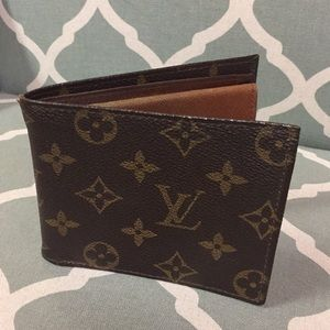 Louis Vuitton-Authentic